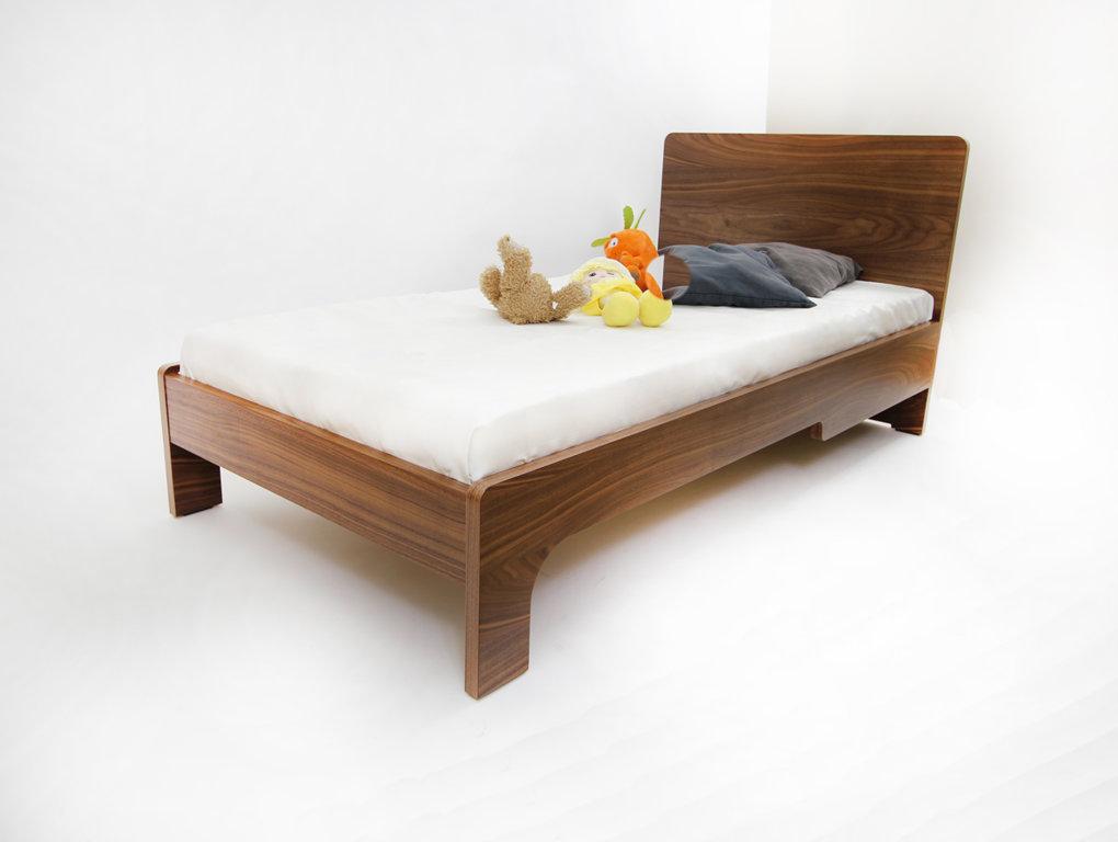 FAIRY TALE pusaudžu gulta (rieksts)