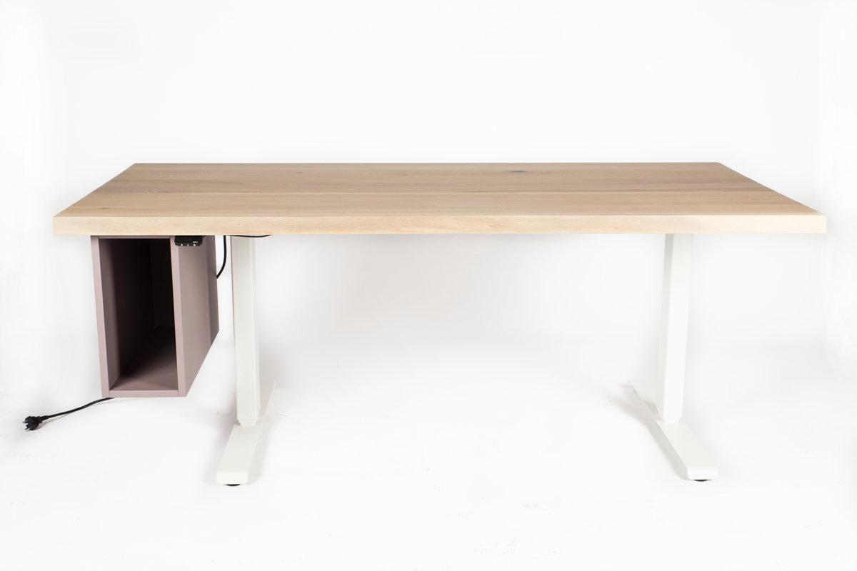 Premium elektriski augstumā regulējams galds.